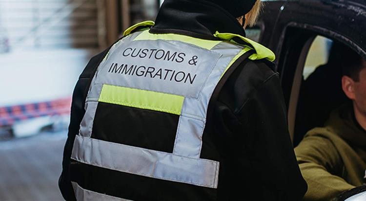 Customs and immgration person